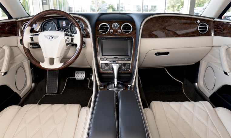 Long Island Exotic Cars Bentley Flying Spur V8 FC042490